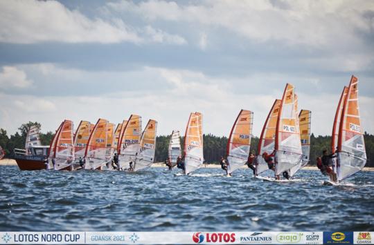 Podwójne sukcesy młodych windsurfingowców