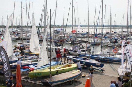 Wodowanie jachtów na Orvaldi Nord CUP